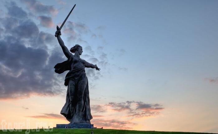 Памятник Родина Мать